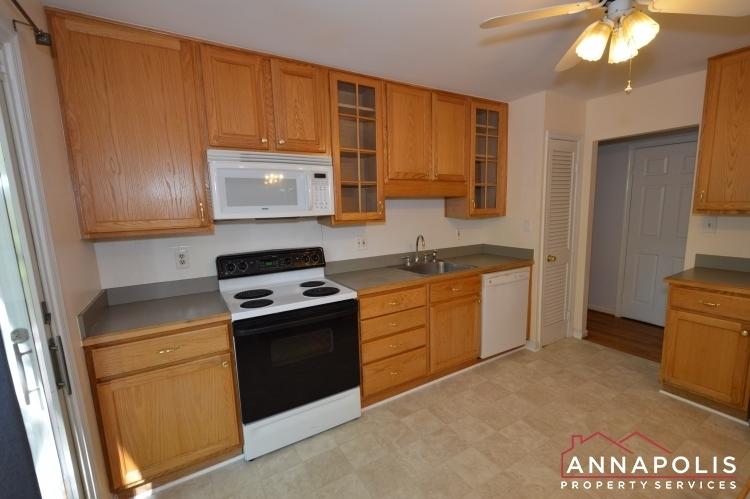 118-lee-drive-id723-kitchen-bnn