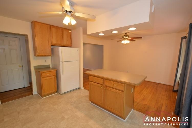 118-lee-drive-id723-kitchen-cnn