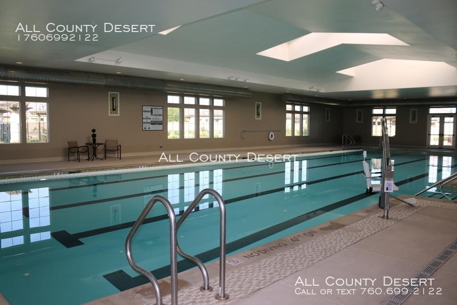 Indoor_pool_