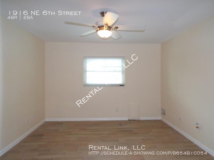 Ne_6th_street-1916_%2812%29