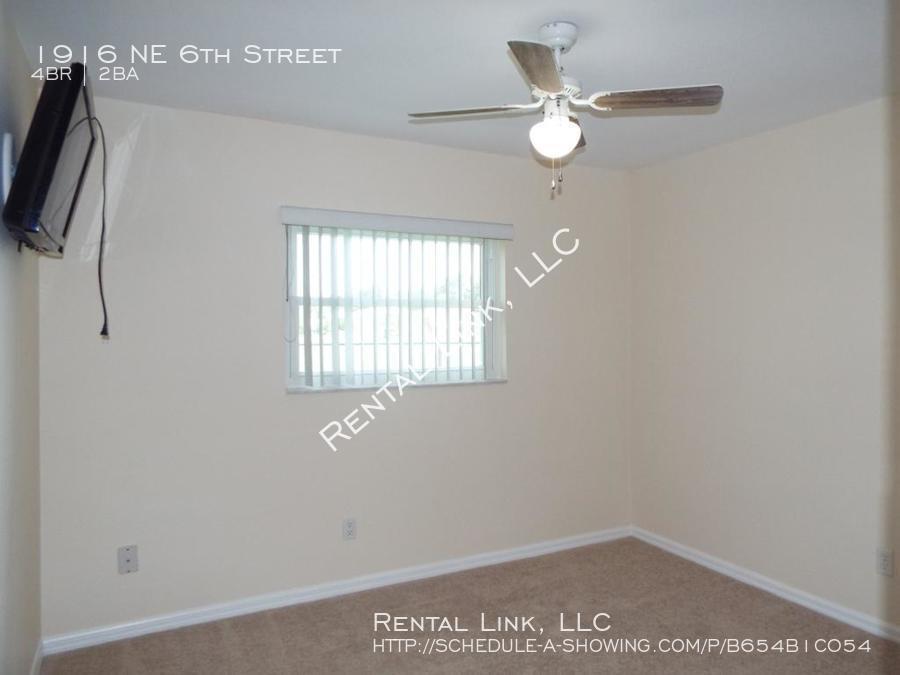 Ne_6th_street-1916_%2819%29