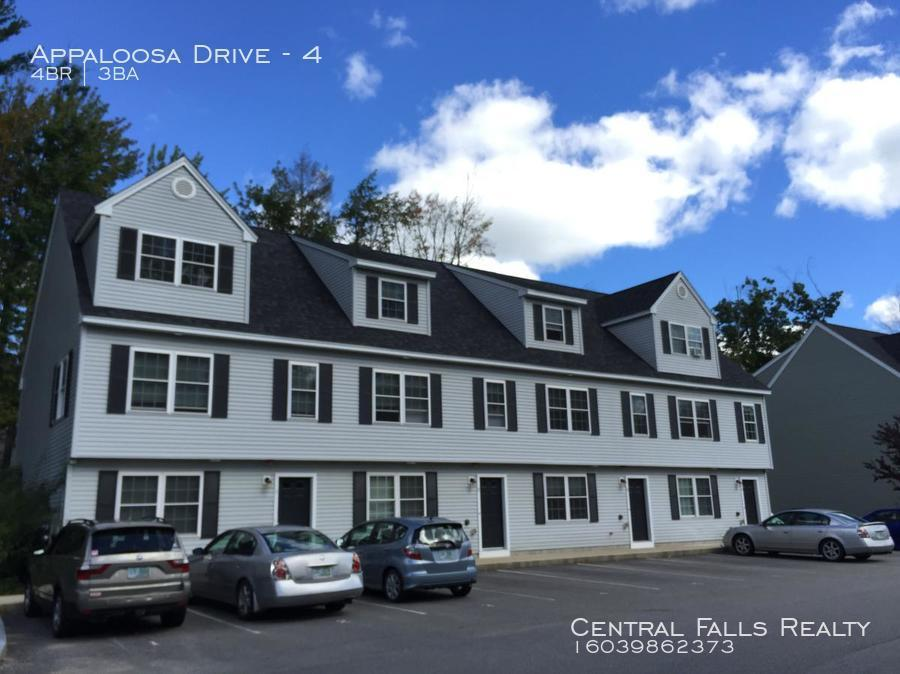 Townhouse for Rent in Dover