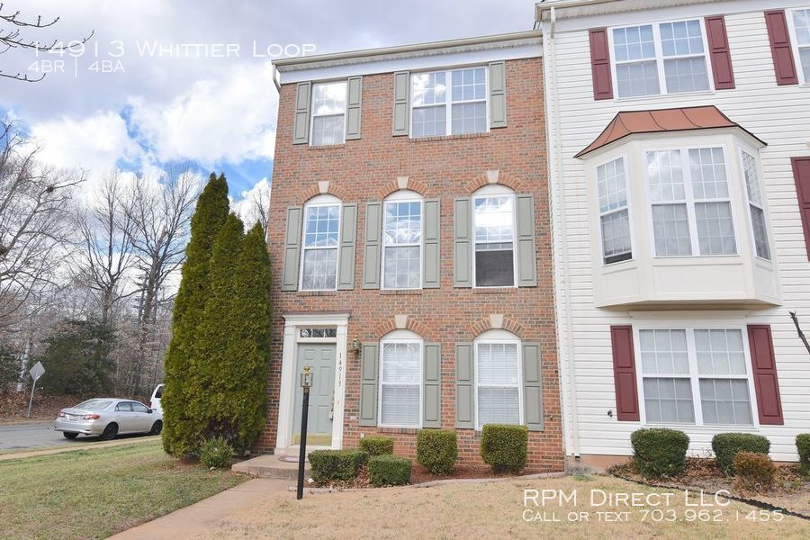 Townhouse for Rent in Woodbridge