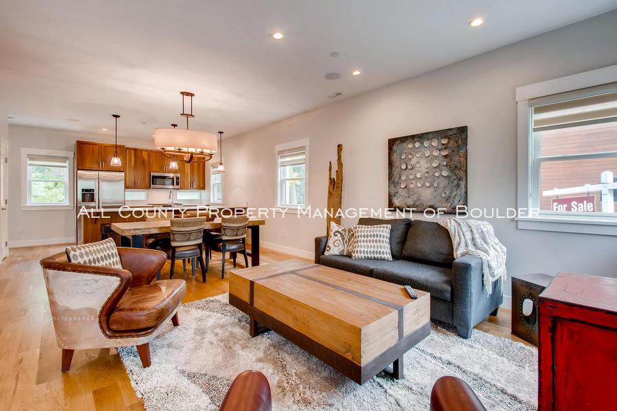 2056_walnut_st_a_boulder_co-large-005-15-living_room-1500x1000-72dpi