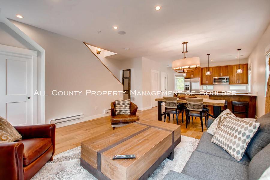 2056_walnut_st_a_boulder_co-large-006-4-living_room-1500x1000-72dpi