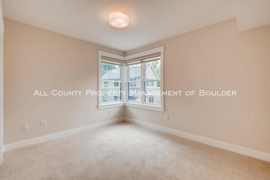 2056_walnut_st_a_boulder_co-large-018-12-2nd_floor_bedroom-1500x1000-72dpi