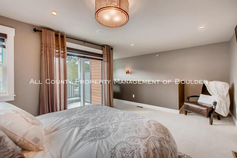 2056_walnut_st_a_boulder_co-large-022-16-3rd_floor_master_bedroom-1500x1000-72dpi