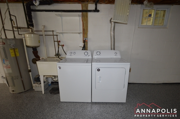 1858-saint-margarets-road-id1039-washer-and-dryer(2)