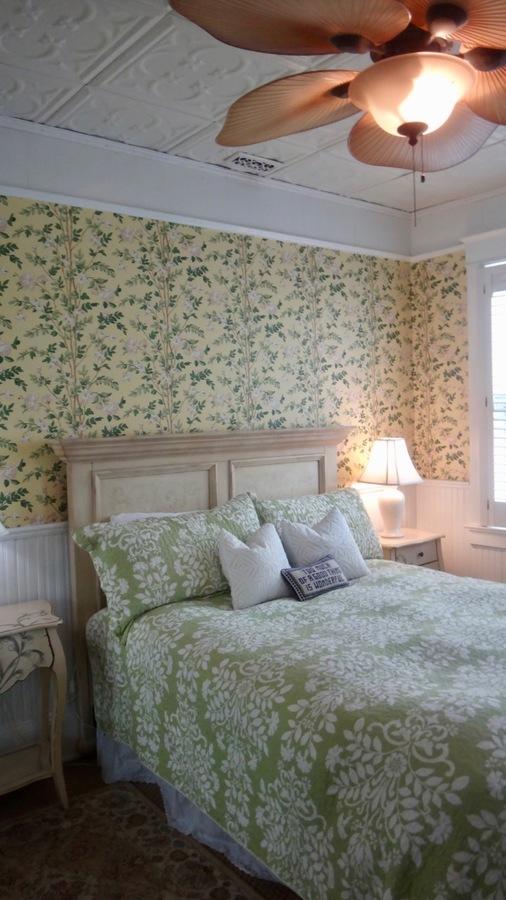 Apt_b_bedroom__1