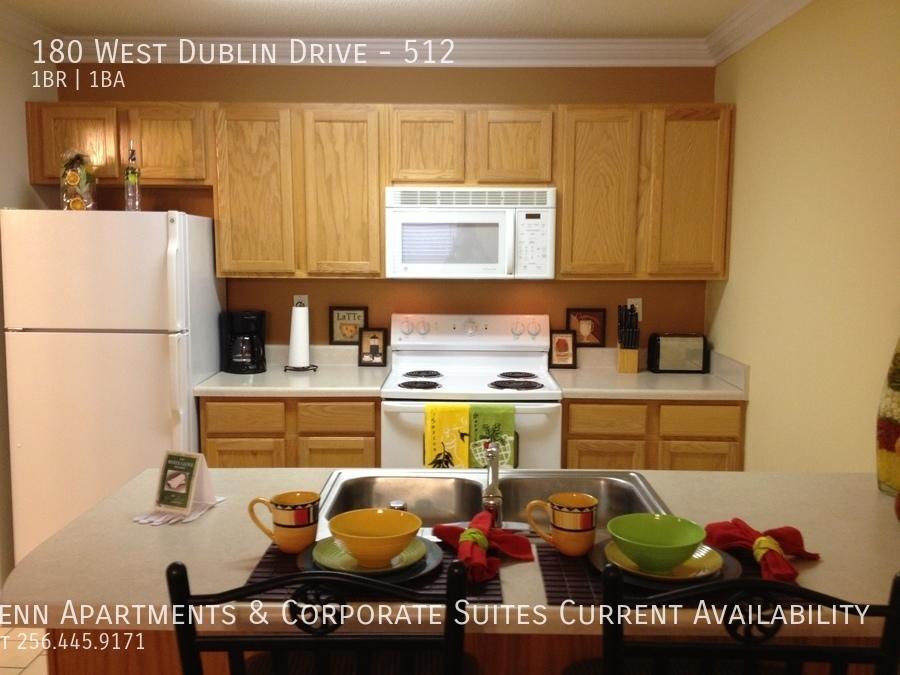 6 full sized appliances in full sized kitchen