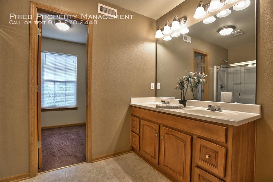 14 master bathroom vanity