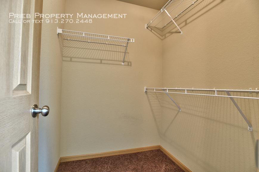 19 seconday closet
