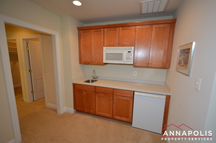 2305-annapolis-ridge-court-id1043-master-bedroom-kitchenette