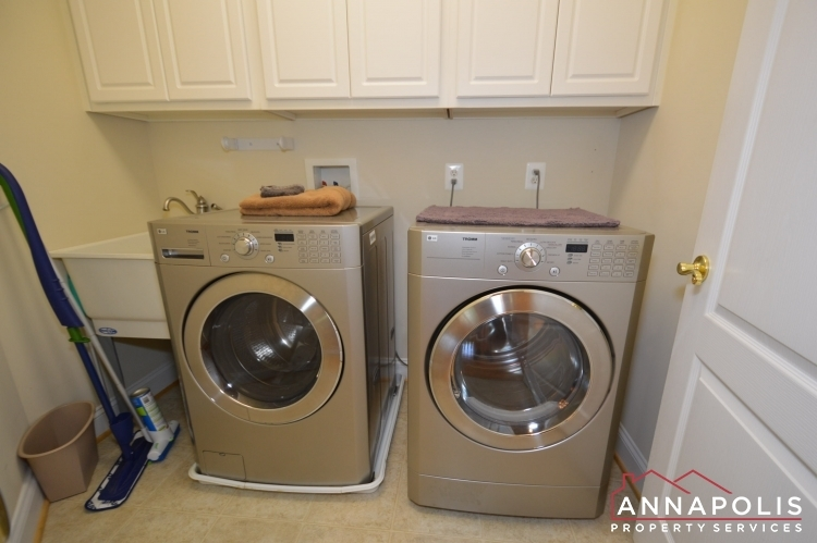2305-annapolis-ridge-court-id1043-washer-and-dryer(2)