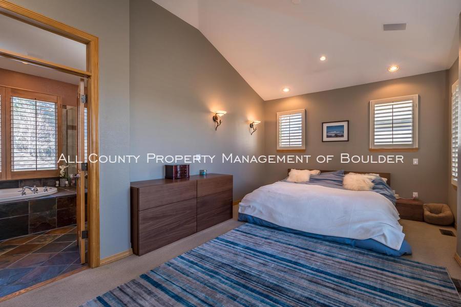 601_wingate_ave_boulder_co-large-012-031-master_bedroom-1499x1000-72dpi