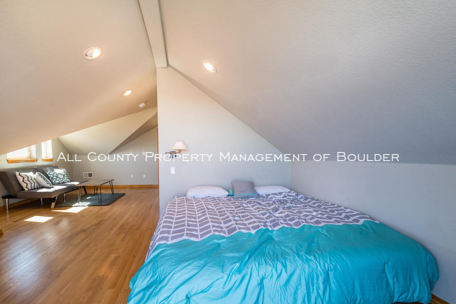 601_wingate_ave_boulder_co-large-023-025-loftbedroom-1499x1000-72dpi
