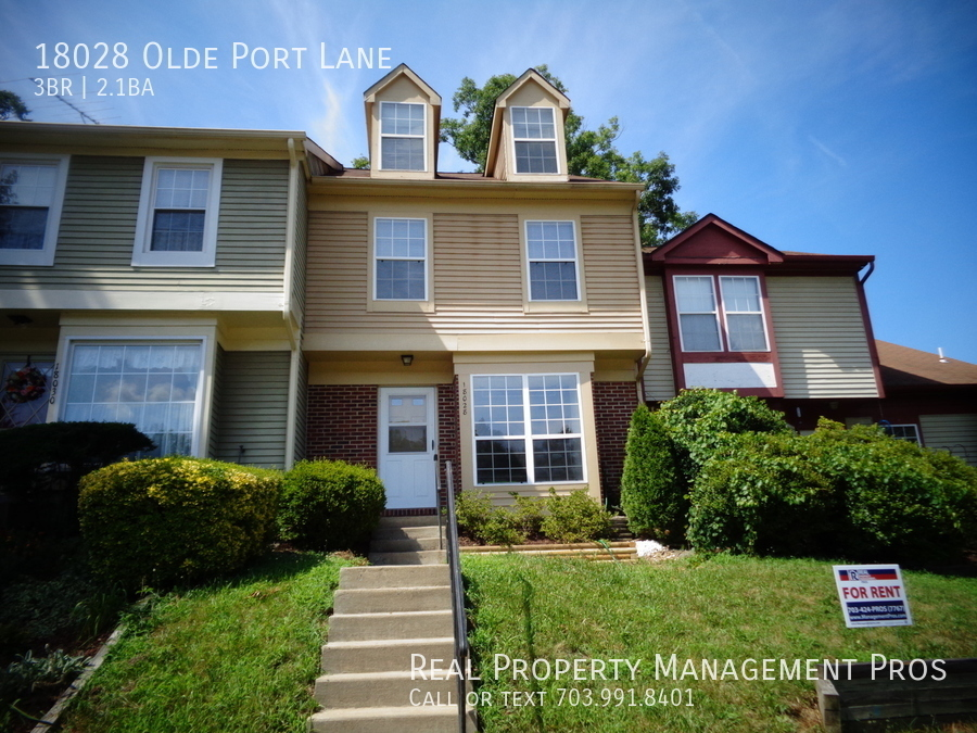 Townhouse for Rent in Triangle