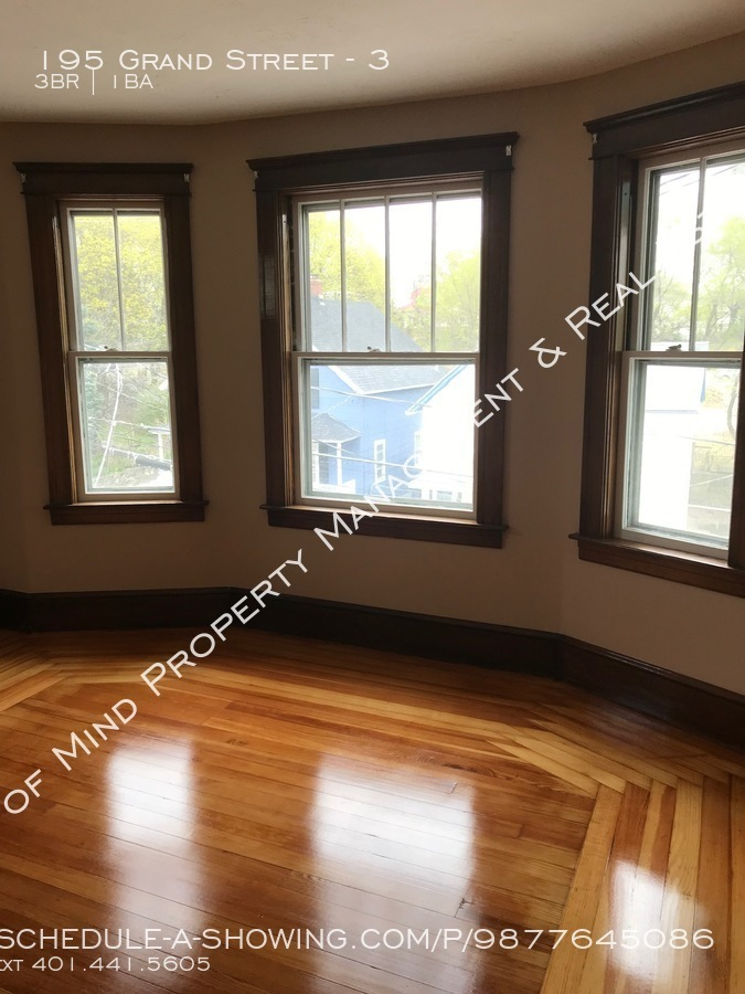 Apartment for Rent in Woonsocket