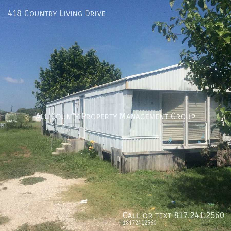 418 Country Living Drive, Newark, TX 76071