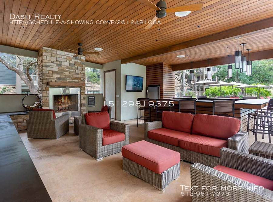Coveredbridge-amenity-exterior-cabana2