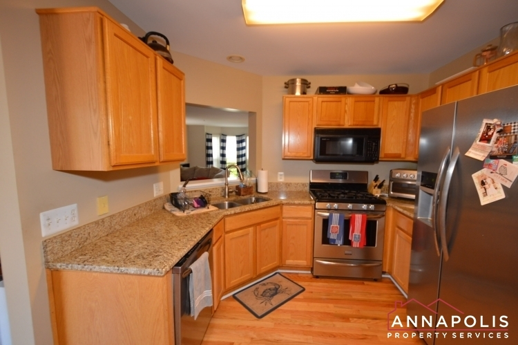 732-howards-loop-id1045-kitchen-a