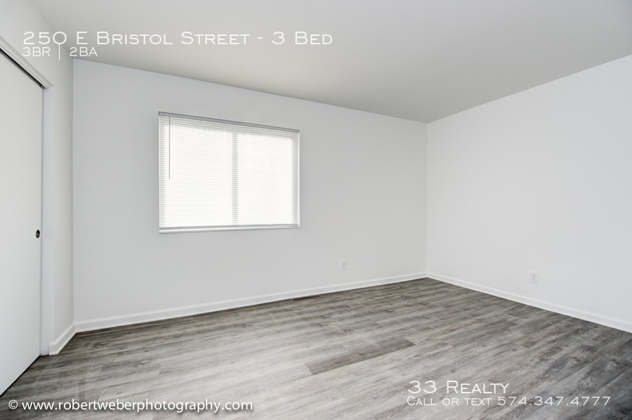 Bristol_-_bedroom_1