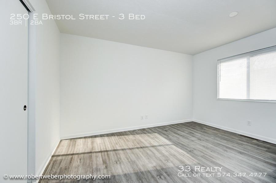 Bristol_-_bedroom_2