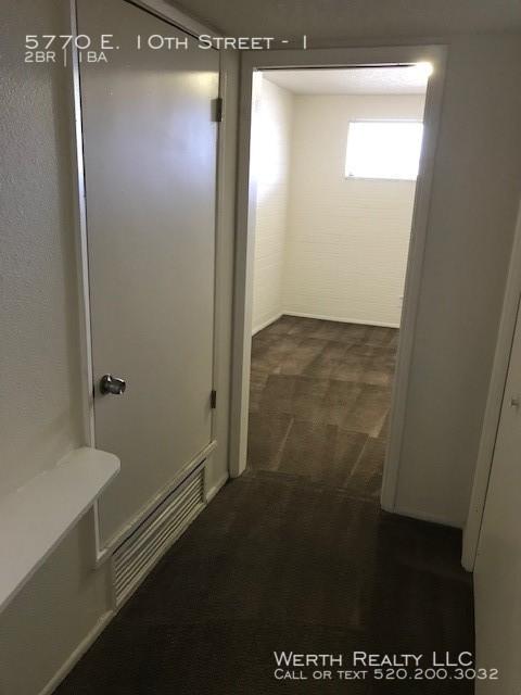 Vdc_25_bedroom_entry