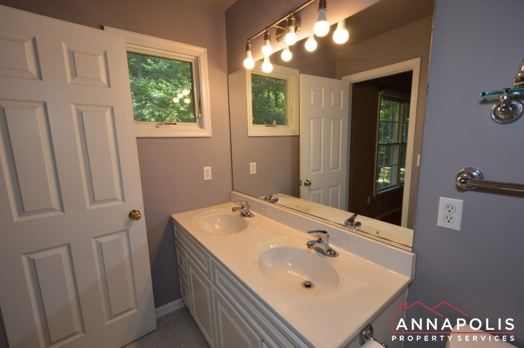 400-duvall-lane-id1042-master-bath-2an