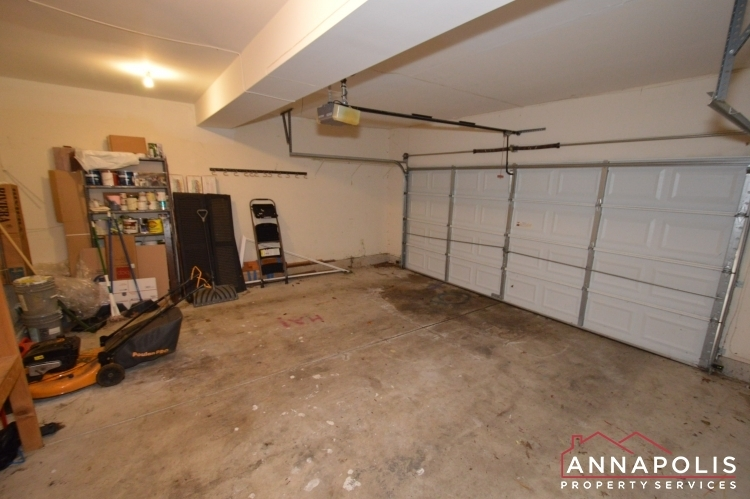 400-duvall-lane-id1042-garage-an