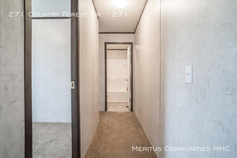 Advantage-1670-201-bedroom-5