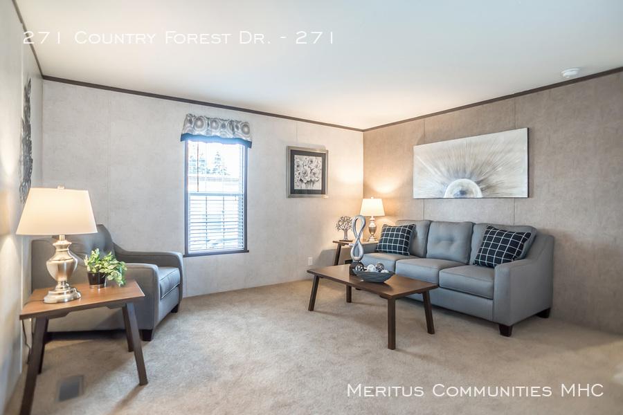 Advantage-1670-201-living-room-1