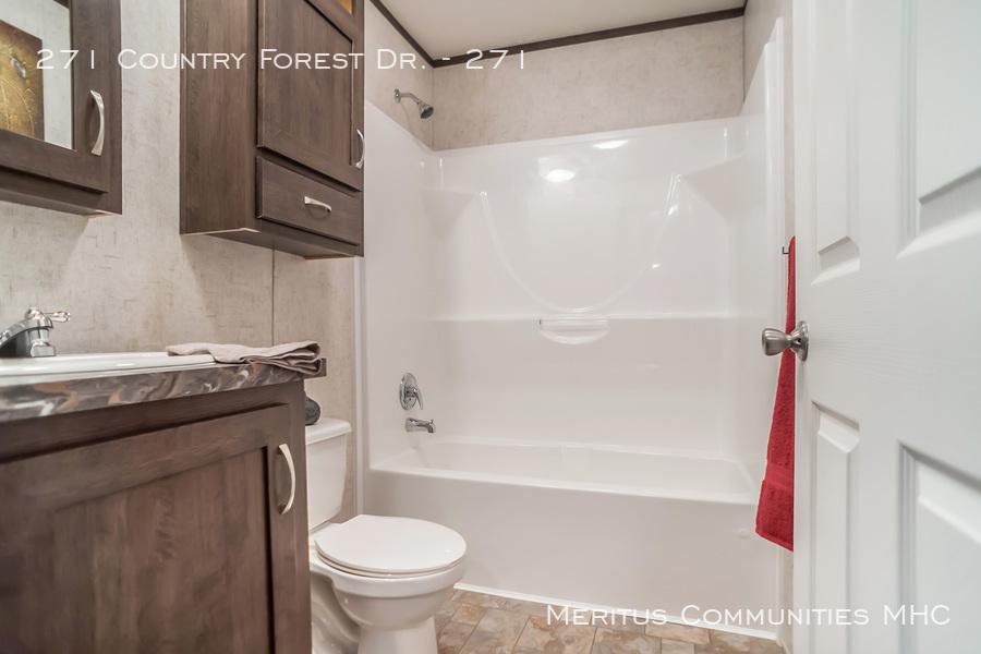 Advantage-1670-201-spare-_bathroom