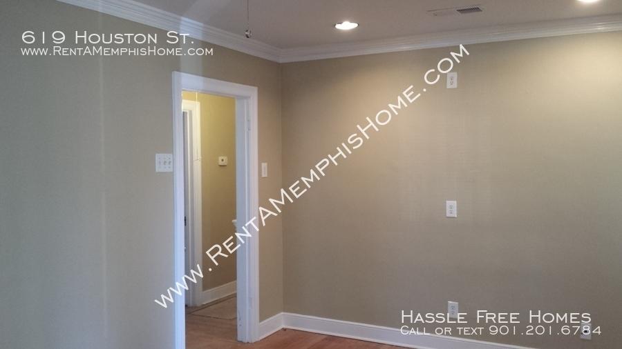 619 houston   living room