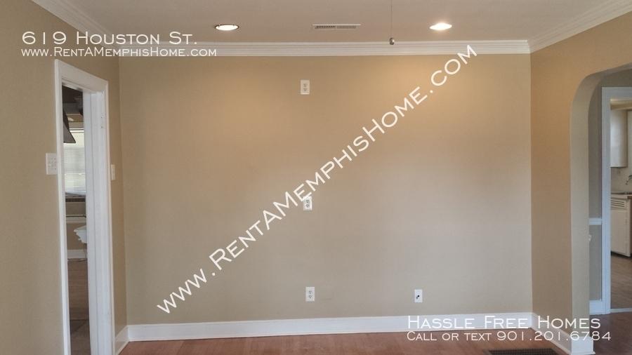 619 houston   houston living room