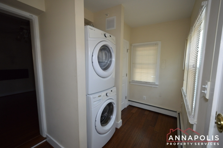 1201-west-st-b-id1026-washer-and-dryer(2)
