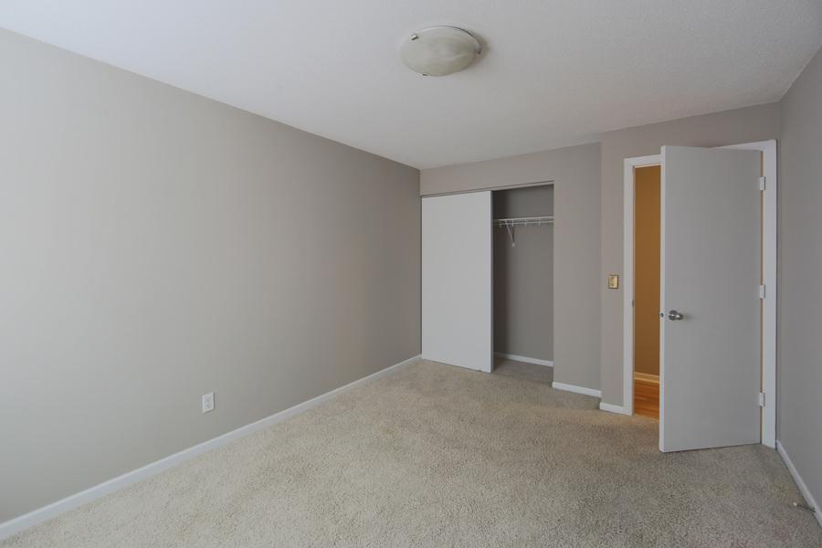 Bedroom_closet