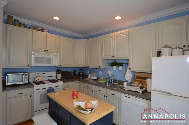 601-baystone-court-id1053-kitchenc