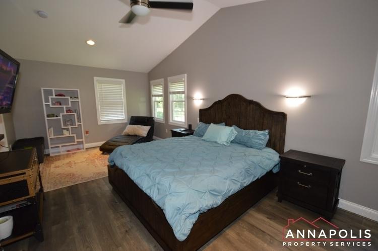 816-maple-road-id1054-master-bedroom-b