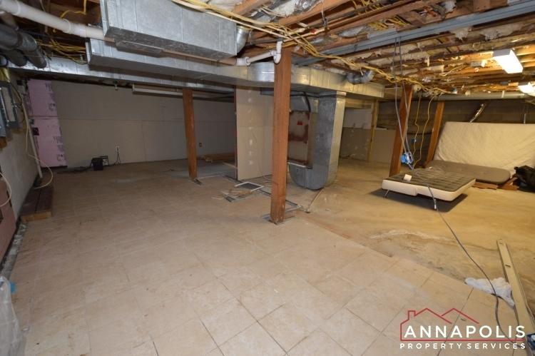 816-maple-road-id1054-basement-storage-a