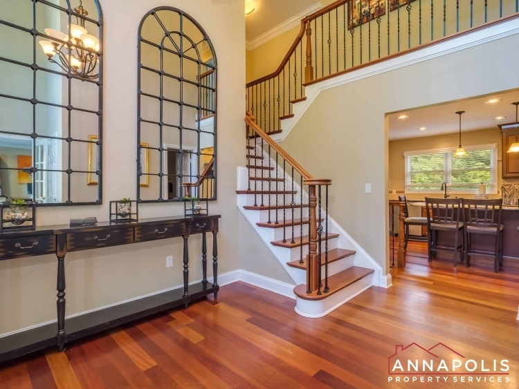 5-somerset-court-id1055-front-hall-way