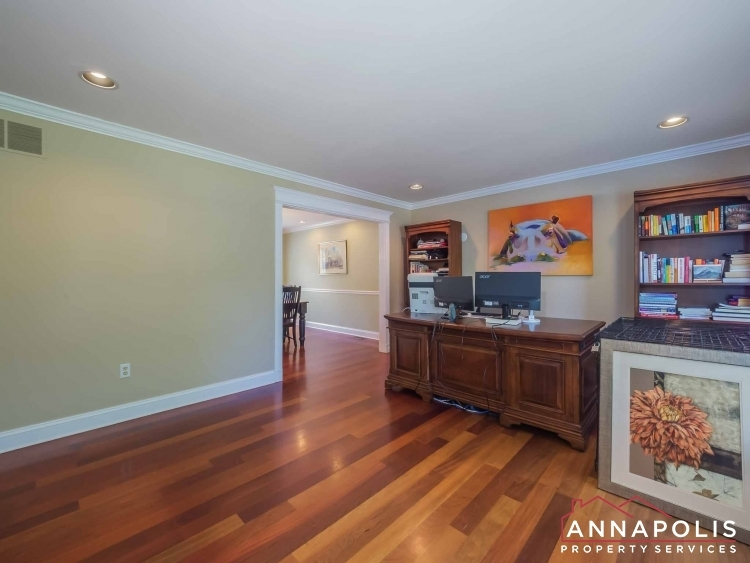 5-somerset-court-id1055-family-room-a