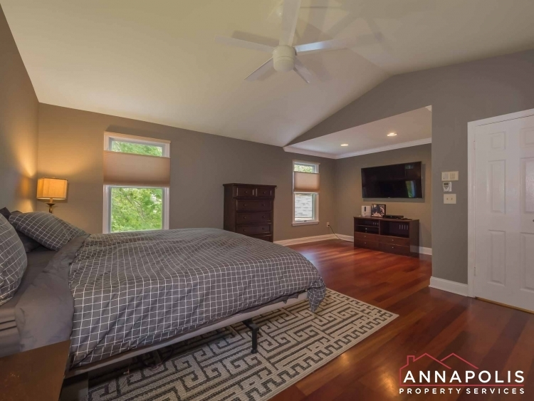 5-somerset-court-id1055-master-bed-b