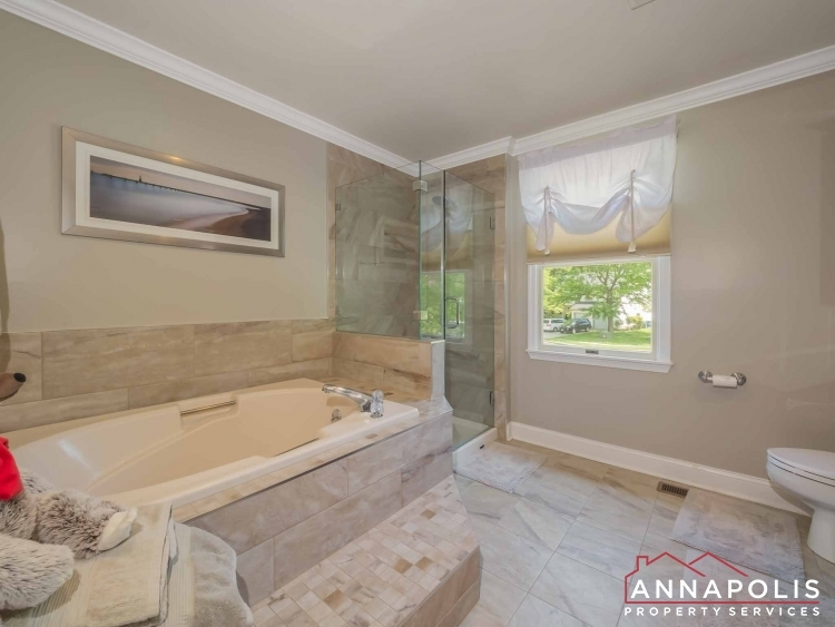 5-somerset-court-id1055-master-bath-a