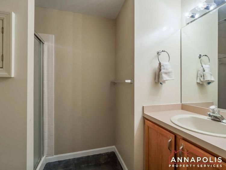 5-somerset-court-id1055-basement-bath
