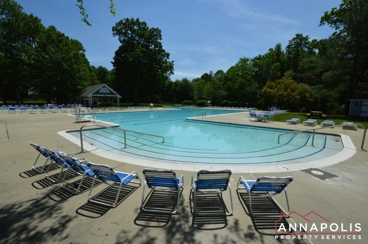 5-somerset-court-id1055-community-pool