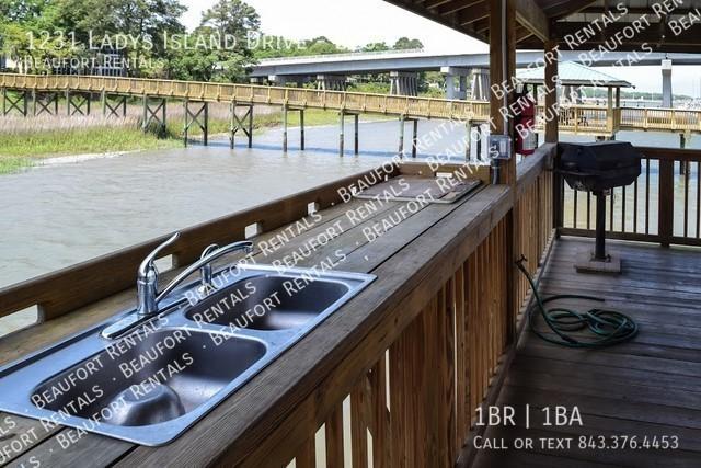 Rc_dock_kitchen