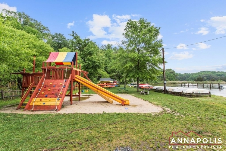 307-old-county-road-id1060-community-play-area-v1