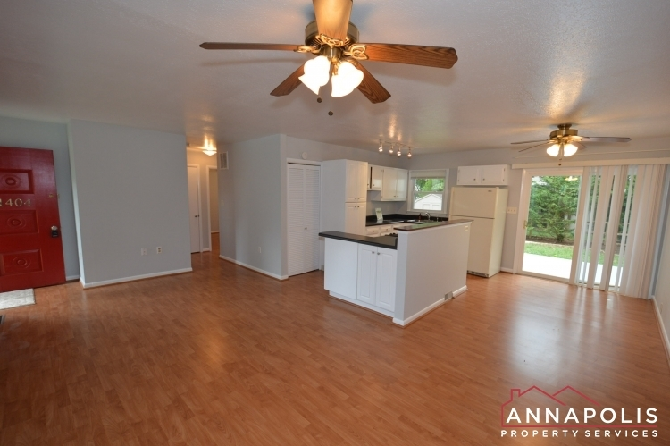 1404-howard-road--id1052-living-and-dining-an
