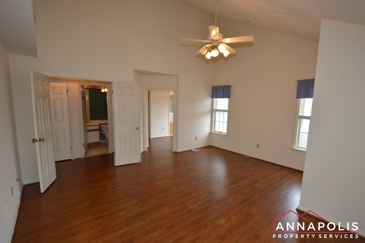 2707-summerview-way-301-id1062-lower-master-bed-b